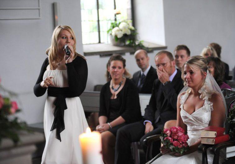 Hochzeitssängerin